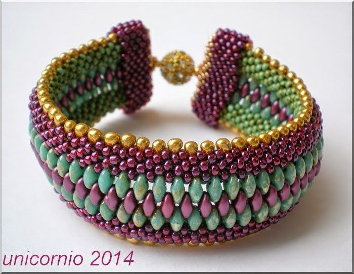 crochet bracelet with super duo & seed beads - unicorniopasion: Brazalete de crochet