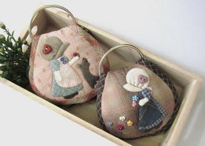Jardín de verano 夏日 花园: 两位 可爱 苏 姑娘 锁匙 包 (订单) Two Little Sue Key Pouch (Orden)