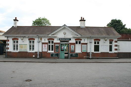 Merstham Station.JPG