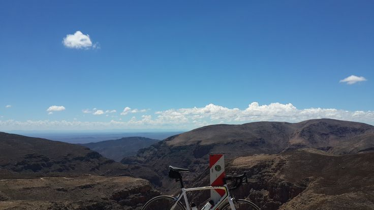 A throwback to the stupidest thing I've done since getting a road bike...Swartberg Pass