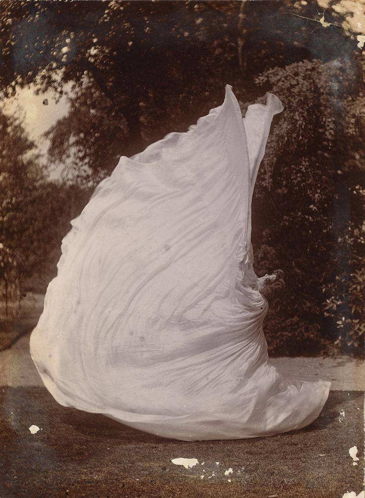 // Samuel Joshua Beckett, Loie Fuller Dancing, 1900.
