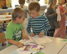 Udviklingen af sociale færdigheder er en integreret del af læreprocesserne i Cooperative Learning.