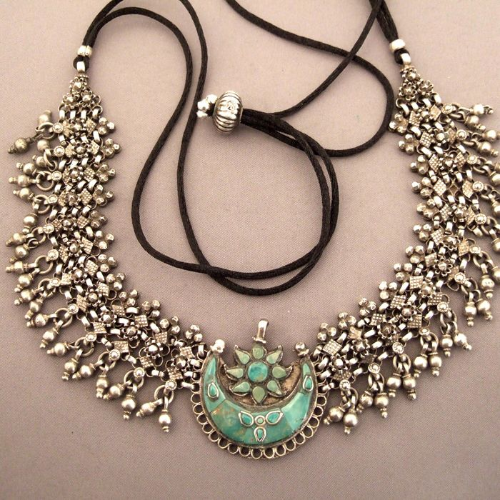 India | Silver and turquoise necklace from Bihar |1,350€