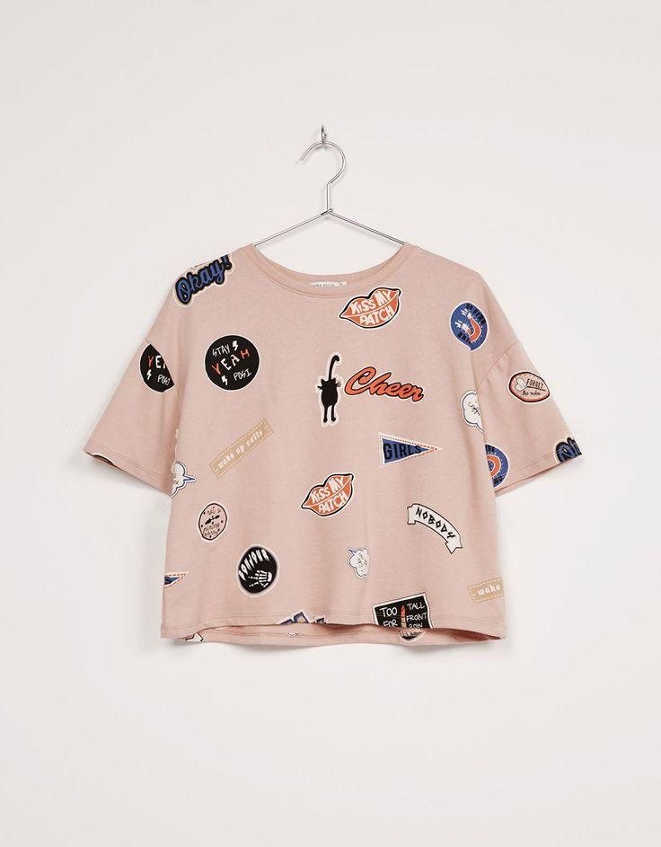 Camiseta BSK all over estampado 'Cheers' - Camisetas - Bershka Colombia