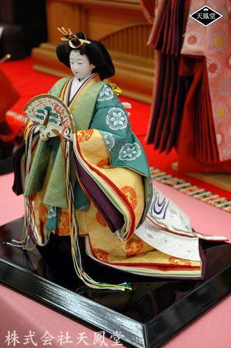 平安天鳳・皇太子妃雅子さま衣装再現ひな人形(立雛)