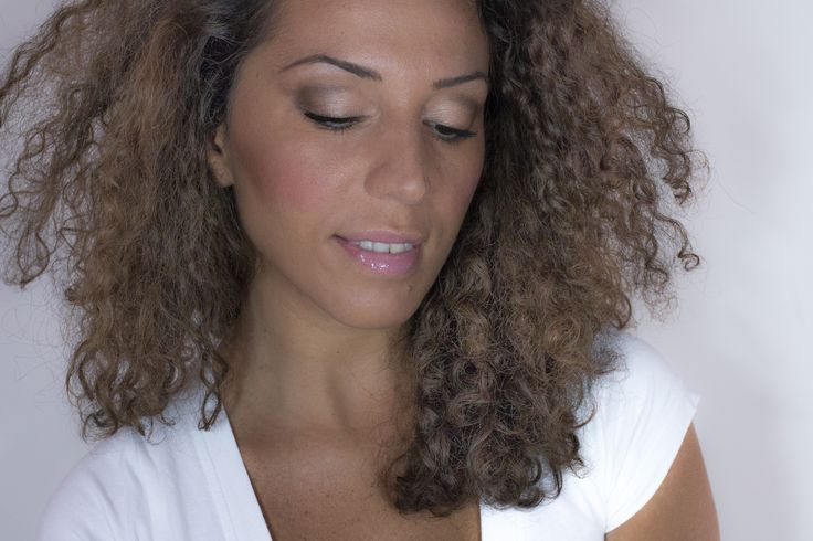 #makeup #sexy #night #eyes #occhi #trucco #beauty #bellezza #fashion #look #style #mac #mulac #mufe #passion #love #face #mymua #gold #smokey #tutorial #curly #youtube #magnetic #essence #backtoschool #nude