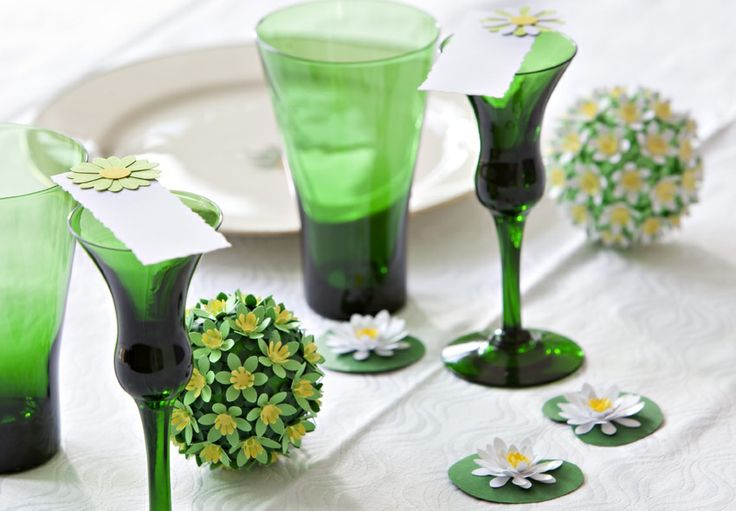 GRØN OPDÆKNING Bordpynt og bordkort i friske grønne farver. Forårspynt - Spring Decor. www.jannielehmann.dk
