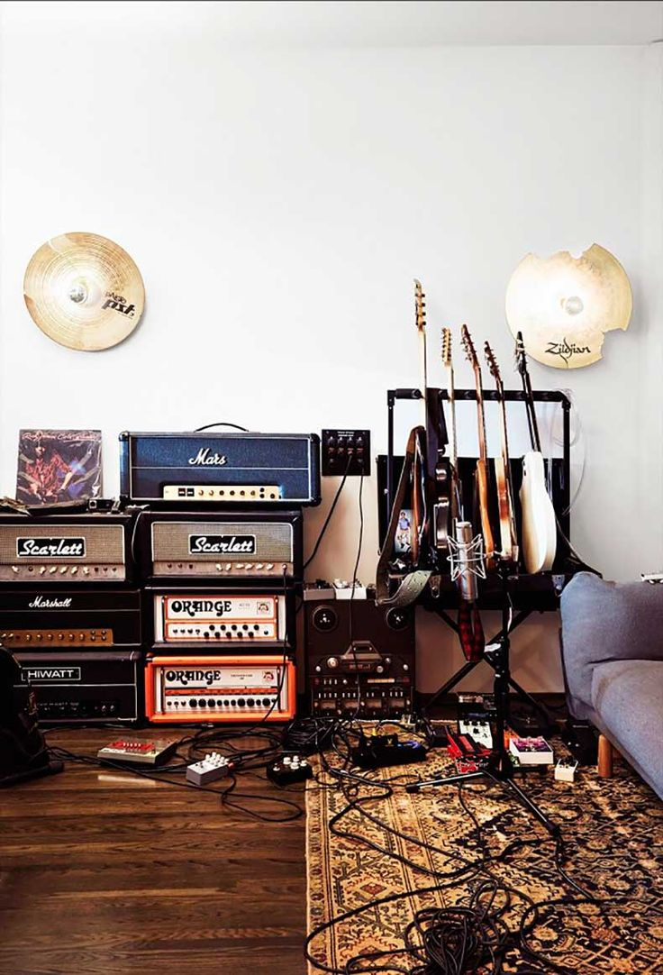 591 best guitars and rock and all that stuff images on for Guitar bedroom designs
