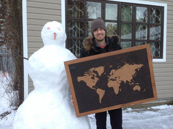 """Пробковая доска 95*65 см. """"Карта мира"""" с рамкой орехового цвета. И снеговик."""