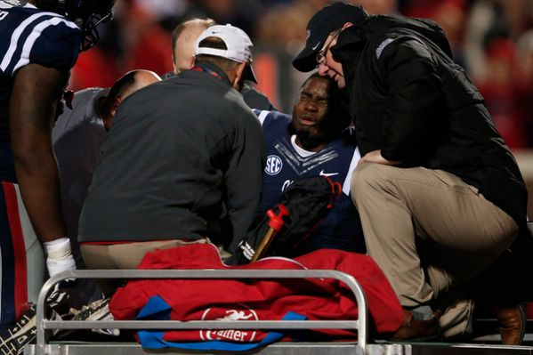 Watch VIDEO: Laquon Treadwell injury update, surgery successful on broken fibula, dislocated ankle