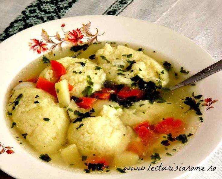Supa de pui cu galuste din gris