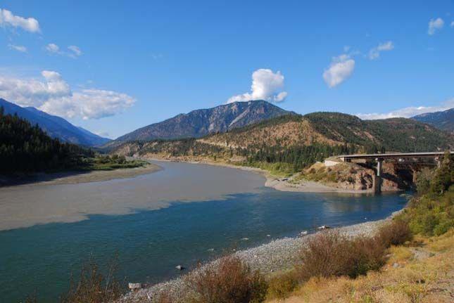 Folyók találkozása A Thompson és a Fraser-folyó találkozása, Brit Kolumbia, Kanada
