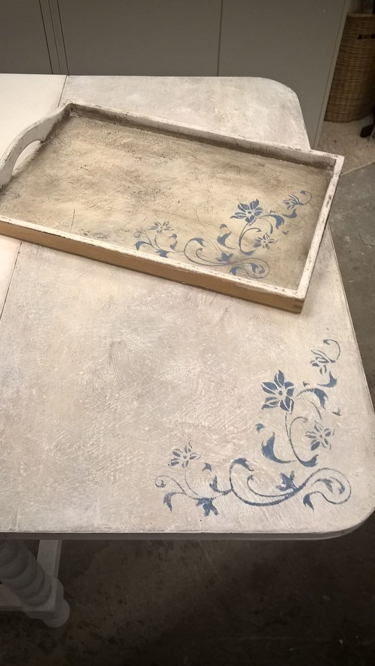 The table with stencils