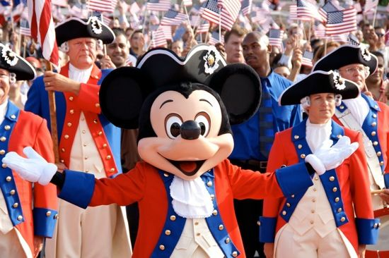 http://www.wdwradio.com/wp-content/uploads/2012/07/Mickey-Mouse-Disney-World-July-4-Independence-Day1.png