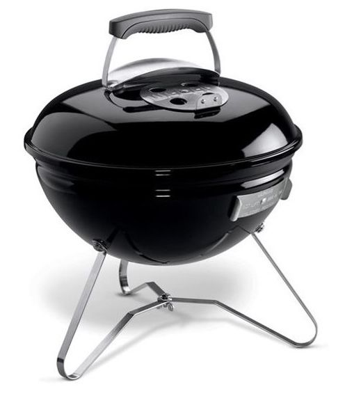 Weber - Smokey Joe. Lækker, lille og handy kulgrill til at tage med ud i det blå #grill #grillinspiration #grilltips #inspirationdk