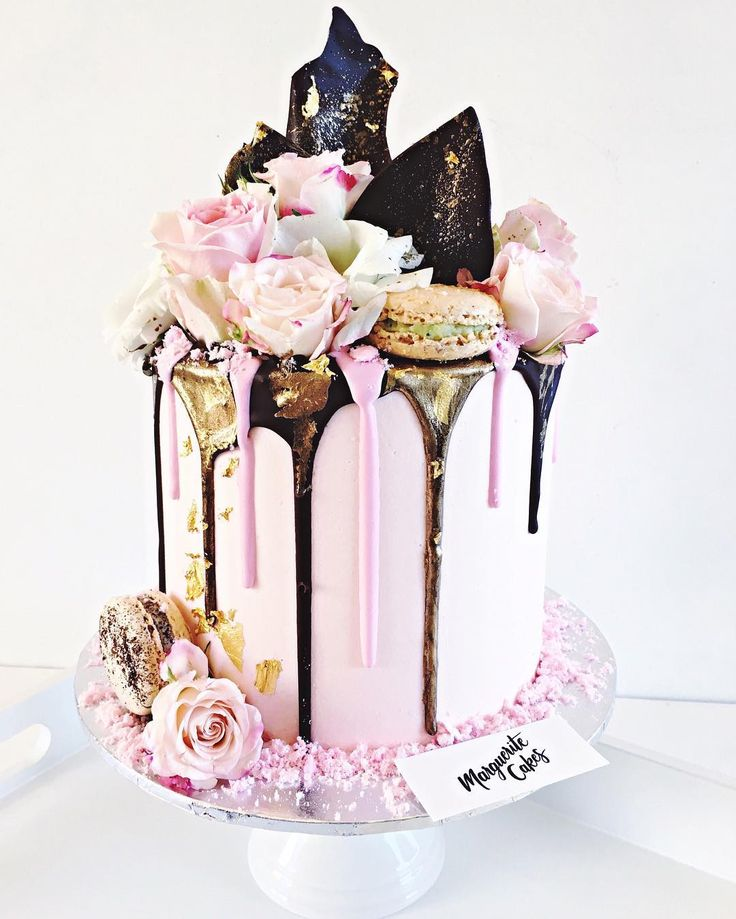 """Marguerite Cakes. Dany McEwen (@margueritecakes) en Instagram: """"Pink, Gold, Chocolate... my fave! """""""