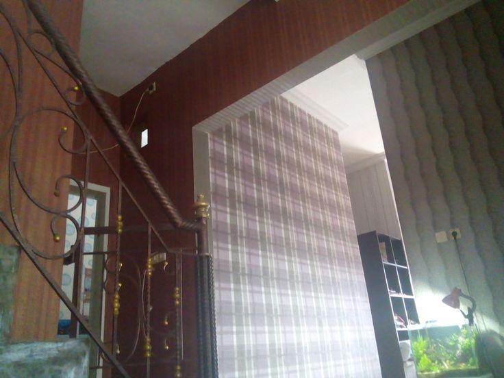 perbedaan wallpaper dengan wallstiker