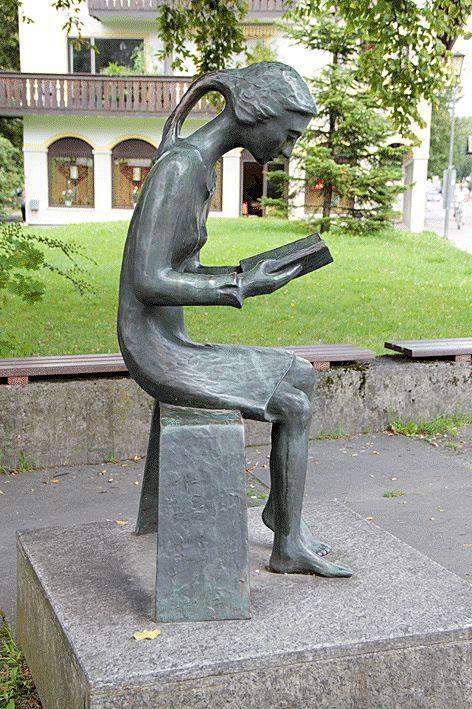 Escultura de autor desconocido en Prien am Chiemsee, Alemania.