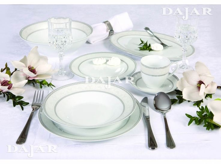 Klasyczna aranżacja stołu z Kompletem obiadowym Baron Silver 43-elementowy AMBITION http://sklep.dajar.pl/komplet-obiadowy-baron-silver-43-elementowy-ambition