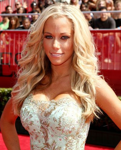 Kendra Wilkinson Glamour Model Hairstyle. Being Kendra: Cribs, Cocktails, and Getting My Sexy Back>>> http://www.amazon.com/gp/product/0062091190?ie=UTF8=1789=0062091190=xm2=l0ac9-20