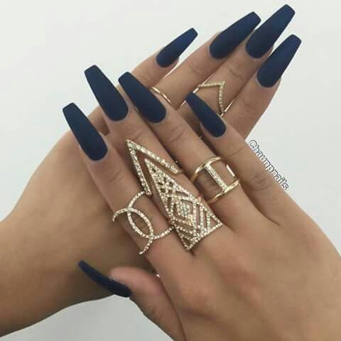 Perfect navy blue matte nails