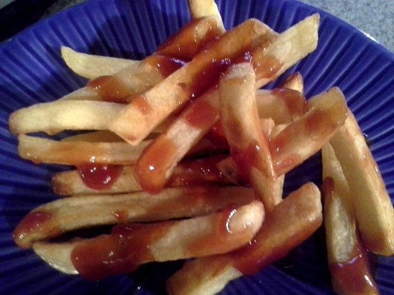 Red Apple Vodka Sauce by SilvertonFoods on Etsy  is amazing on french fries! #lunch #sides #frenchfries