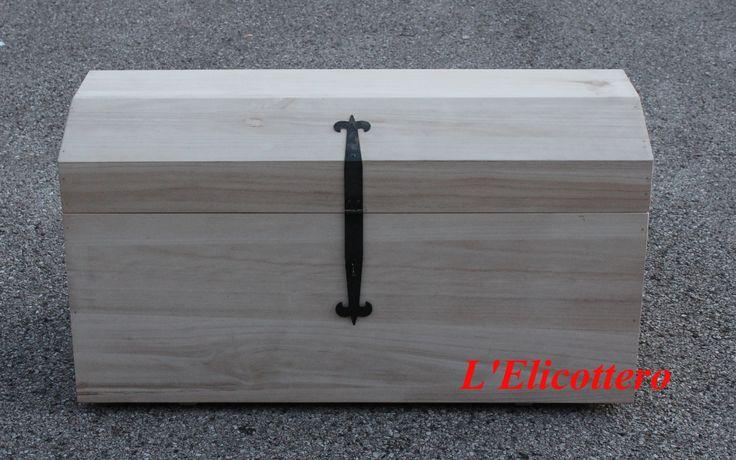 #Baule in legno grezzo, da utilizzare come porta oggetti, porta legna o quant'altro. Ma soprattutto lo potete decorare come volete!