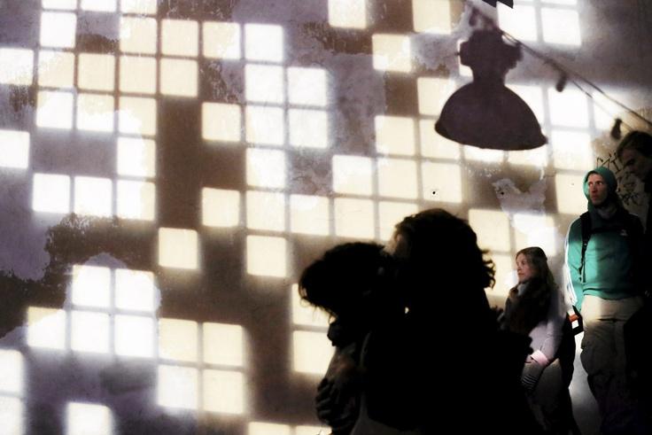 Lauantai-illan tunnelmaa flow-festivaalilla. Kuva: Sabrina Bqain. Kuvakoosteessa Flow-festivaalin tunnelmia.