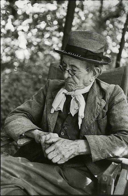 Paul Léautaud (1872-1956) - French writer and theater critic who wrote his theater criticism under the pseudonym Maurice Boissard). Photo 1952 by Henri Cartier-Bresson