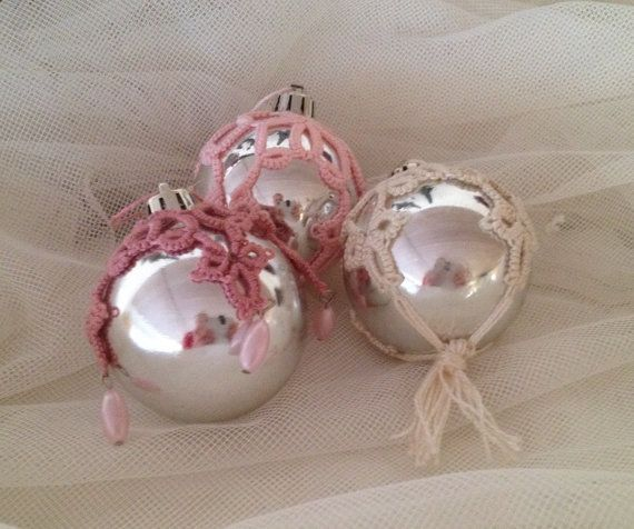 Tatted christmas ball by BurgdorffDesign on Etsy