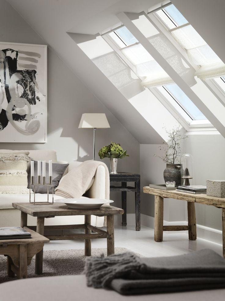 #Roleta rzymska to elegancki i dekoracyjny dodatek do wnętrza. #salon #poddasze #dekoracja #design #wystrój #velux