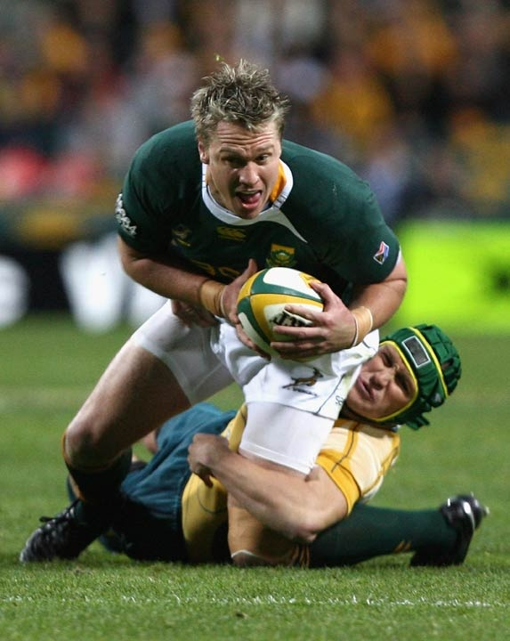 Springbok centre Jean de Villiers lunges forward in Perth