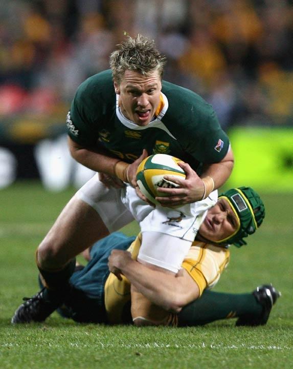Springbok centre Jean de Villiers lunges forward in Perth