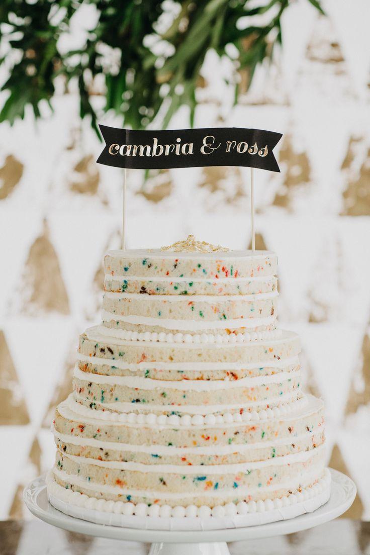 Alluvial fan bridge wedding cakes