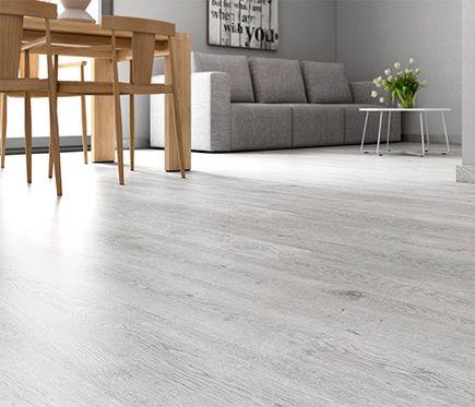Premium suelo laminado frozen oak materiales reforma for Suelo gris claro