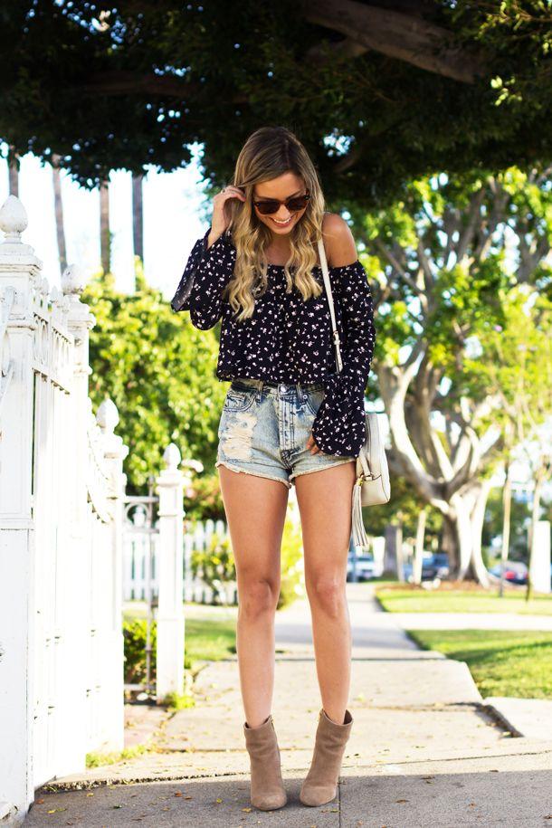 Look Luisa Accorsi – Bata: Urban Outfitters | Shorts: Brandy Melville | Bota: Luiza Barcelos | Bolsa: Gucci