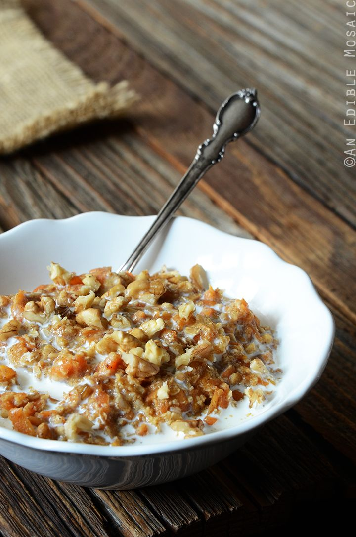 This Carrot Cake Oatmeal is a great recipe to help you get your vegetables in early! #recipe #breakfast