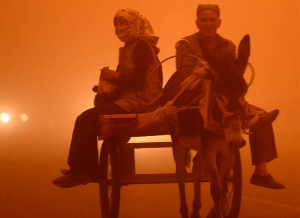 Sandstorm paints skies red in NW China.   Credit: AFP Getty Images  18/04/2013
