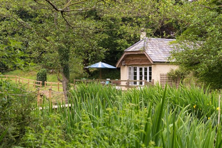 Handpicked by Classic Cottages, Dieppy Farm Cottage Is a superbly equipped 1 bedroom, dog friendly holiday cottage near Dulverton, Somerset. Linen And towels are provided.