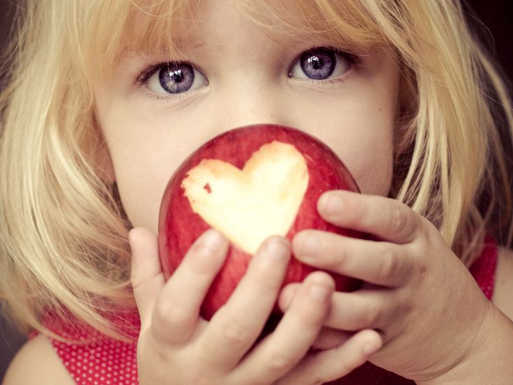 How to Work with Children…Not Against Them. Great tips for taking photos of children. iHeartFaces.com Photo by @Kelly Teske Goldsworthy Spencer  #photography #childrenPhotos Ideas, Love Photos, Take Pictures, Inspiration Pictures, Kids Photos, Blue Eye, Photography Tips, Photos Props, Apples Heart