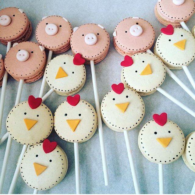 Macarons fofos para festa Fazendinha, adorei! Por @sonhosconfeitaria #regram @petitdecor_festas #kikidsparty: