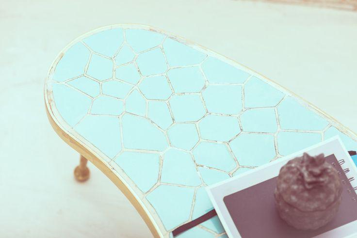Beistelltische - NIERENTISCH BLUMENTISCH BEISTELLTISCH TÜRKIS GOLD - ein Designerstück von Miss-Rosamond bei DaWanda