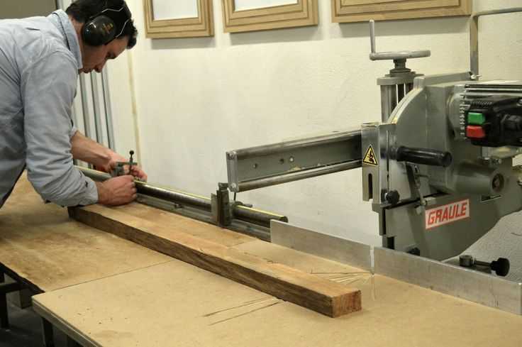 Stephen McConnell of Houthaven Design preparing to saw pieces of Lamp nr 10.