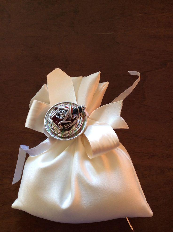 Decorazioni con cialde per bomboniere matrimonio realizzato da Vilma Perego Milano