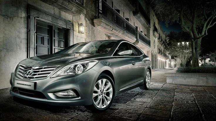 Hyundai Grandeur launch shot in Dallas