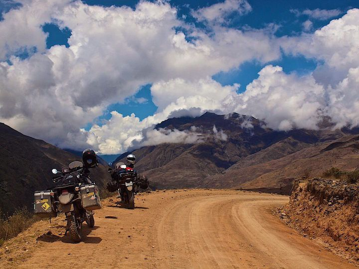 Riding and painting plein air in the Bolivian Andes with Scott Wilson. #pleinair #Bolivia #SouthAmerica #adventure #travel