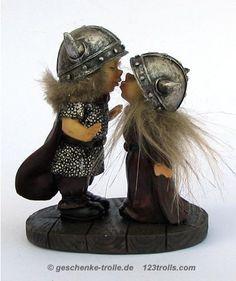 kissing viking couple, original Norwegian Viking figure