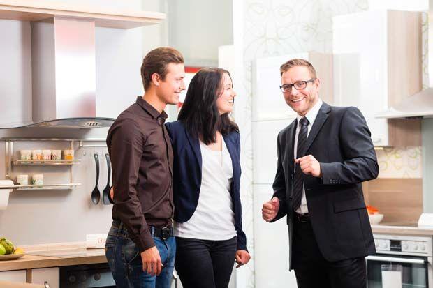 Bruynzeel keukens zijn ouder dan 100 jaar en meer dan 15 miljoen verkochte keukens, een begrip in de Nederlandse keukenmarkt. Van oudsher een bedrijf waar de keukens vooral in de projectmarkt, nieuwbouw en verhuur woningen te vinden waren. In de laatste jaren biedt het keukenmerk een breed programma keukens van laag tot middenhoog segment.