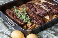 Χοιρινό Λεμονάτο με πατάτες στο φούρνο από τον Άκη. Ακουλουθήστε αυτή τη συνταγή για ένα χοιρινό λεμονάτο στο φούρνο με πατάτες σκέτο λουκούμι.