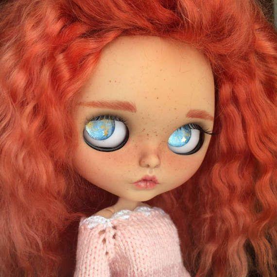 Reserved Ritacustom Blythe panenka červené kudrnaté vlasy mohér útku